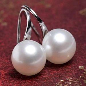 Pearl Silver Huggie Chic Earrings pearl like